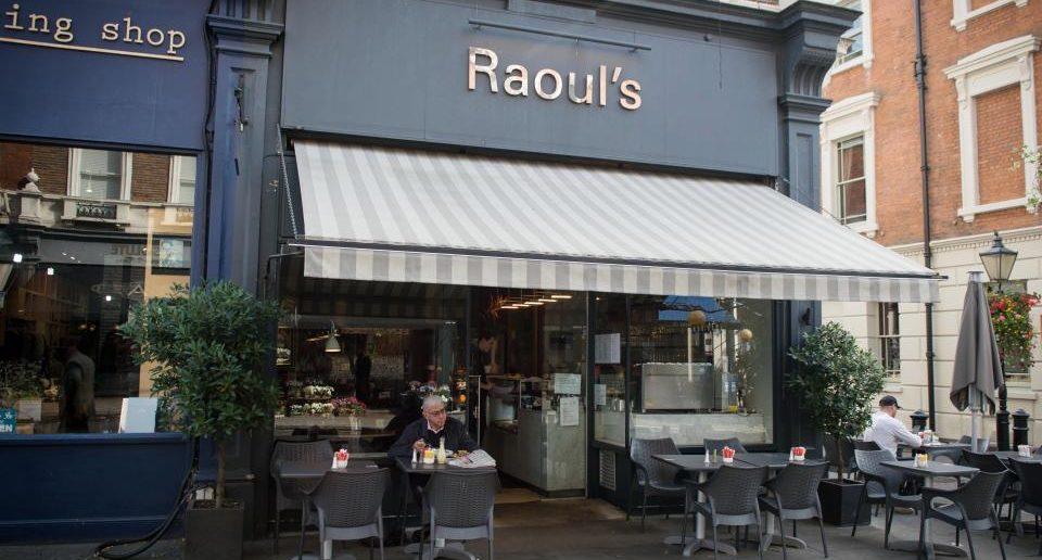 "Das Restaurant ""Raouls"" in London."