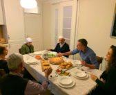 Veseli bën iftar me prindërit