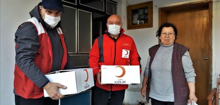 """Türkischer """"Roter Halbmond"""" hilft Familien im Kosovo"""